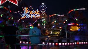 carnival breakdance ride img